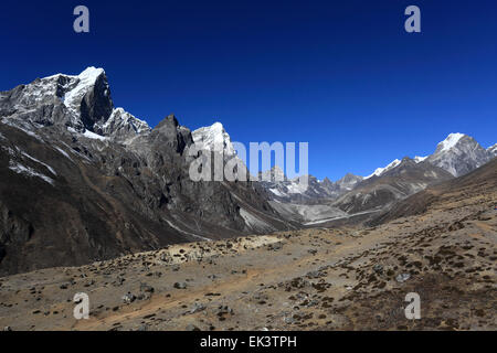 The Dusa Pass, near Pheriche village, Everest base camp trek, UNESCO World Heritage Site, Sagarmatha National Park, - Stock Photo