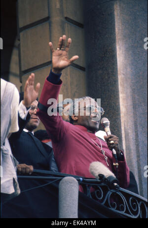 On 13 September 1989, 30 000 Capetonians from a diverse cross-section of the city marched in support of peace and - Stock Photo