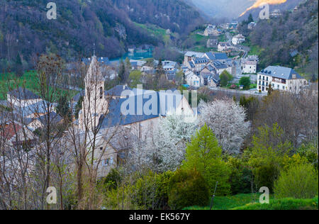 Gedre. Valley of the Gave de Gavarnie. Hautes-Pyrenees department, Midi-Pyrenees region, France, Europe. - Stock Photo