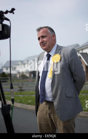 Mark Williams out and about being interviewed by the BBC whilst on the campaign trail in Ceredigion. - Stock Photo