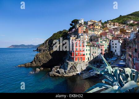 Clifftop village of Riomaggiore, Cinque Terre, UNESCO World Heritage Site, Liguria, Italy, Europe - Stock Photo