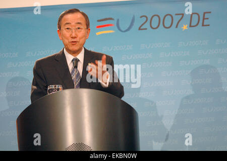 FEBRUARY 21, 2007 - BERLIN: Ban Ki-Moon - meeting of the German Foreign Minister with the Secretary General of the - Stock Photo