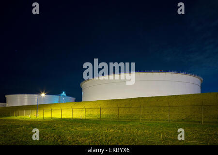 Oil storage on Maasvlakte,an area of newly created land in the north sea, Rotterdam, Zuid-Holland, The Netherlands - Stock Photo