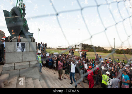 Removal of Cecil John Rhodes statue at the University of Cape Town campus. #FeesMustFall - Stock Photo