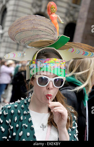 New York City. 5th Apr, 2015. Attendees make their way along Fifth Avenue during the annual Easter Parade April - Stock Photo