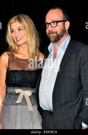 12.SEPT.2010. TORONTO  ROSAMUND PIKE AND PAUL GIAMATTI ATTEND THE PRESS CONFRENCE FOR NEW FILM BARNEY'S VERSION - Stock Photo