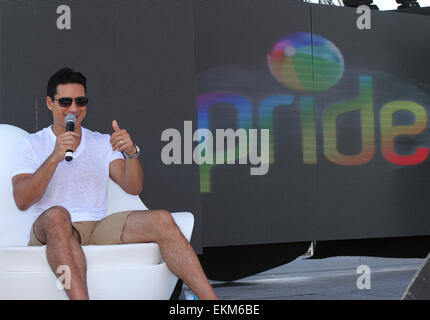 Miami Beach, Florida, USA. 11th April, 2015.  TV show host Mario Lopez answers questions at a media briefing.  Mr. - Stock Photo