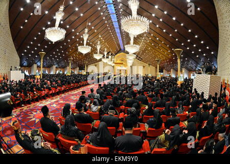 Bandar Seri Begawan, Brunei. 12th April, 2015. The photo shows guests attending the royal wedding ceremony of Brunei's - Stock Photo