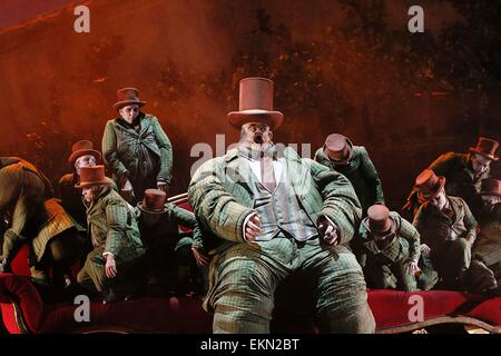 Leipzig, Germany. 7th April 2015, Rúni Brattaberg performs as Fafner in the final dress rehearsal of Richard Wagner's - Stock Photo