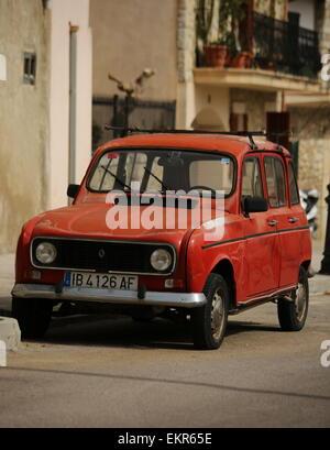 Old Renault 4 vintage renault Mancor de la vall majorca - Stock Photo