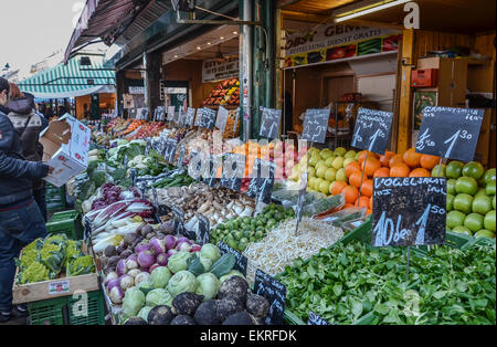 Vienna Naschmarkt food stand with fruit and vegetables - Stock Photo