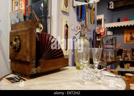 Antiques Shop Au Bazar de Beru ,Rue de Sainte Ursule Toulouse, Midi-Pyrénées, France - Stock Photo
