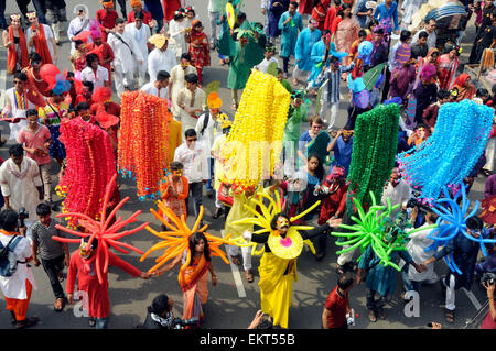 Dhaka, Bangladesh. 14th Apr, 2015. Bangladeshi participate in a parade to celebrate the Bengali New Year or Pohela - Stock Photo