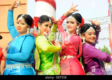 Dhaka, Bangladesh. 14th Apr, 2015. Artists pose for photos during the celebration of Bengali New Year or Pohela - Stock Photo