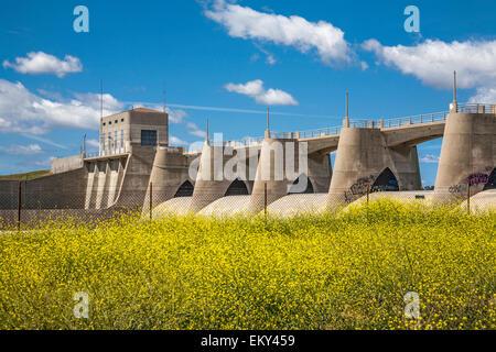 Sepulveda Dam, Sepulveda Basin Recreation Zone, San Fernando Valley, Los Angeles, California, USA - Stock Photo