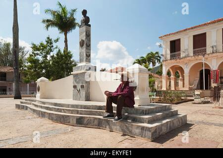 Memorial To José Martí In Central Park With The Casa De La Cultura In The Background; Viñales, Cuba - Stock Photo