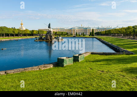 Pools and fountains in the Upper Gardens of the Peterhof Palace, Saint Petersburg, Russia. - Stock Photo