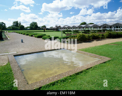 Fishbourne Roman palace, West Sussex: 4 wings arranged around a formal garden: E wing entrance hall pool & central - Stock Photo