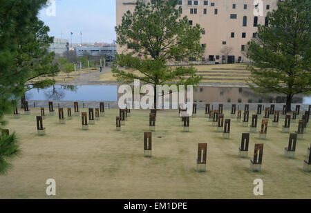 Oklahoma City, USA. 2nd Apr, 2015. 168 symbolic empty chairs stand on the memorial site for the Oklahoma City bombing - Stock Photo