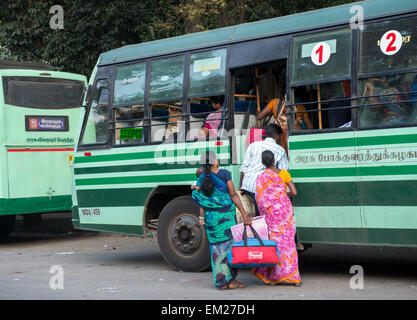 rush hour at the bus station in kumily kerala india stock photo 81184334 alamy. Black Bedroom Furniture Sets. Home Design Ideas
