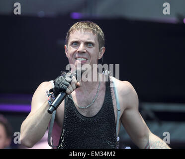 26.JUNE.2010 - GLASTONBURY  JAKE SHEARS OF THE SCISSOR SISTERS PERFORMING ON STAGE AT GLASTONBURY 2010, THE 40TH - Stock Photo