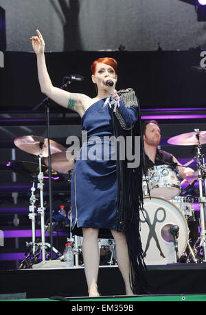 26.JUNE.2010 - GLASTONBURY  ANA MATRONIC OF THE SCISSOR SISTERS PERFORMING ON STAGE AT GLASTONBURY 2010, THE 40TH - Stock Photo