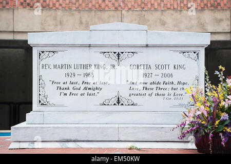 USA, Georgia, Atlanta, Tombstone of Rev. Martin Luther King Jr. and Coretta Scott King - Stock Photo