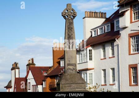 United Kingdom, Scotland, Celtic Cross dominating in residential district; Edinburgh - Stock Photo
