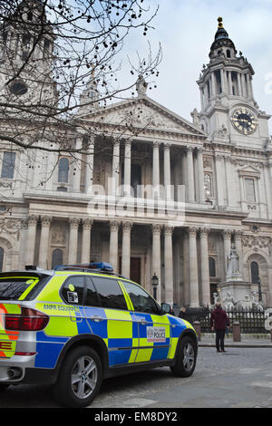 A Metropolitan Police patrol car parked outside St Paul's Cathedral in London, UK - Stock Photo