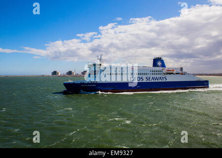 Cross channel ferry between Dover and Dunkirk - Stock Photo