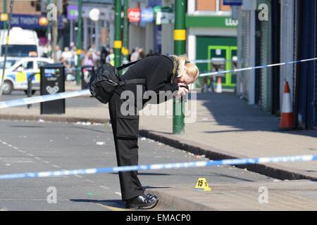 Northfield, Birmingham, UK. 18th April, 2015. A West Midlands Police ...