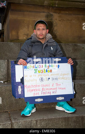 Manchester, UK 19th April, 2015. Homeless campaigners continue to make a stand outside Manchester Town Hall to raise - Stock Photo