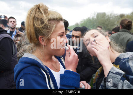 Cannabis joint, Hyde Park, London, UK, 19th April 2015. A pro cannabis festival campaigning for the legalisation - Stock Photo