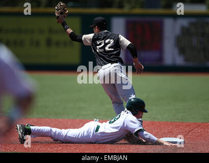 New Orleans, LA, USA. 19th Apr, 2015. UCF pitcher Kyle Marsh (22) during the game between Tulane and UCF at Greer - Stock Photo