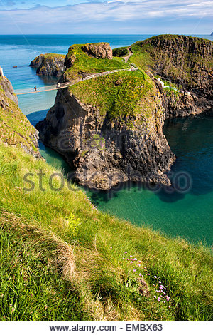 Carrick-a-rede rope Bridge on the North Antrim coast of Northern Ireland. - Stock Photo