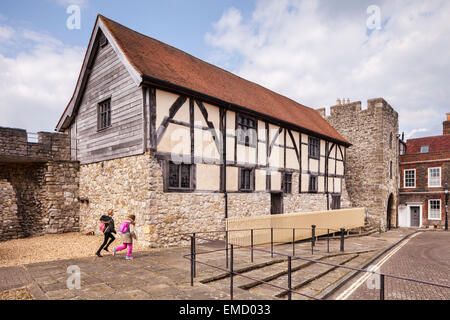 Westgate Hall and the old Westgate, Southampton, Hampshire, England. - Stock Photo