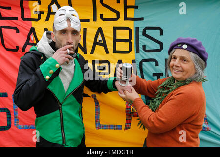 Glasgow, UK. 20th Apr, 2015. A rally was held in George Square, Glasgow, Scotland, in support of the campaign to - Stock Photo