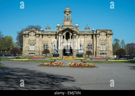 Cartwright Hall is the civic art gallery in Bradford, West Yorkshire, England, situated about a mile from the city - Stock Photo