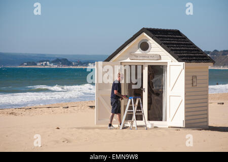 Bournemouth, Dorset, UK. 22nd April, 2015. UK Weather: sunny day at Bournemouth beaches, as visitors make the most - Stock Photo