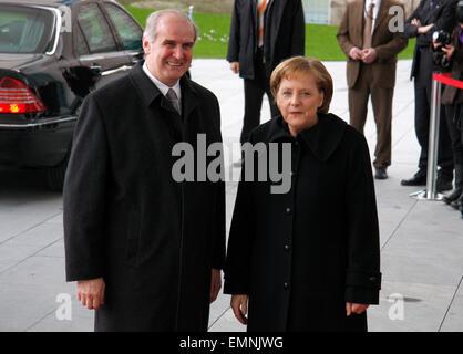 Otmar Hasler, BKin Angela Merkel - Empfang mit milit. Ehren, Treffen der dt. Bundeskanzlerin mit dem Regierungschef - Stock Photo