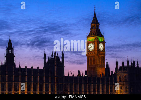 A beautiful dusk-time view of the Houses of Parliament in London. - Stock Photo