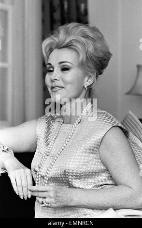Actress Zsa Zsa Gabor pictured at a West London Hotel, Saturday 12th March 1966. Newlywed Zsa Zsa Gabor flew into - Stock Photo