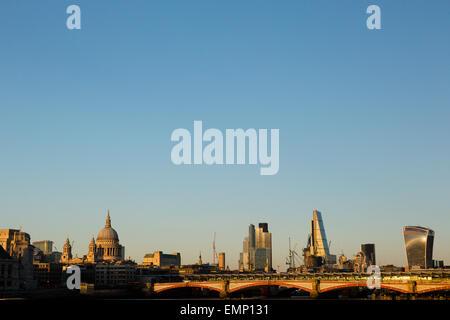 London, UK. 22nd April, 2015. UK Weather: The London skyline in late evening light. Credit:  Dave Stevenson/Alamy - Stock Photo