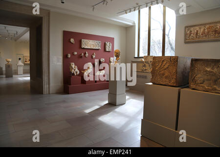 USA. New York city. Metropolitan Museum of Art. Inside. Roman Room. - Stock Photo