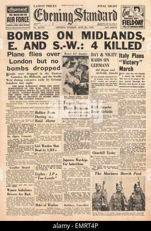 1940 front page Evening Standard Luftwaffe Bombing Raids on England - Stock Photo