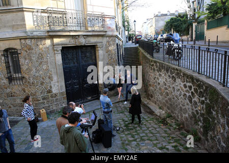 Paris, France. 23rd Apr, 2015. Filming on Montmartre in Paris, France on 24.04.2015 Credit:  Denys Kuvaiev/Alamy - Stock Photo