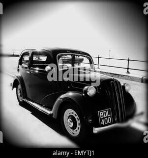 1930s Ford CX, Car, by the sea, Parade, Gurnard, Isle of Wight, England, UK, - Stock Photo