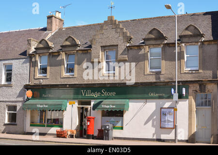 DOUNE, STIRLING, SCOTLAND, UK - 23 APRIL 2015: Village Store, Off Licence and Post Office in the rural village of - Stock Photo