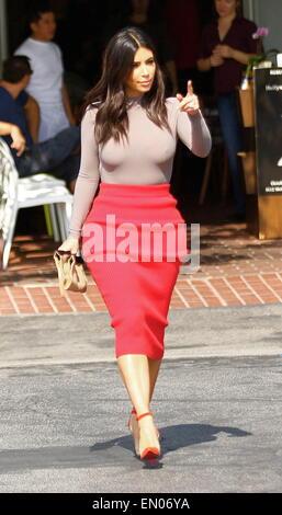 Kim Kardashian In Pencil Skirt 67