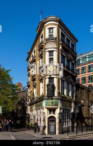 The Black Friar Public House, Blackfriars, London, England - Stock Photo